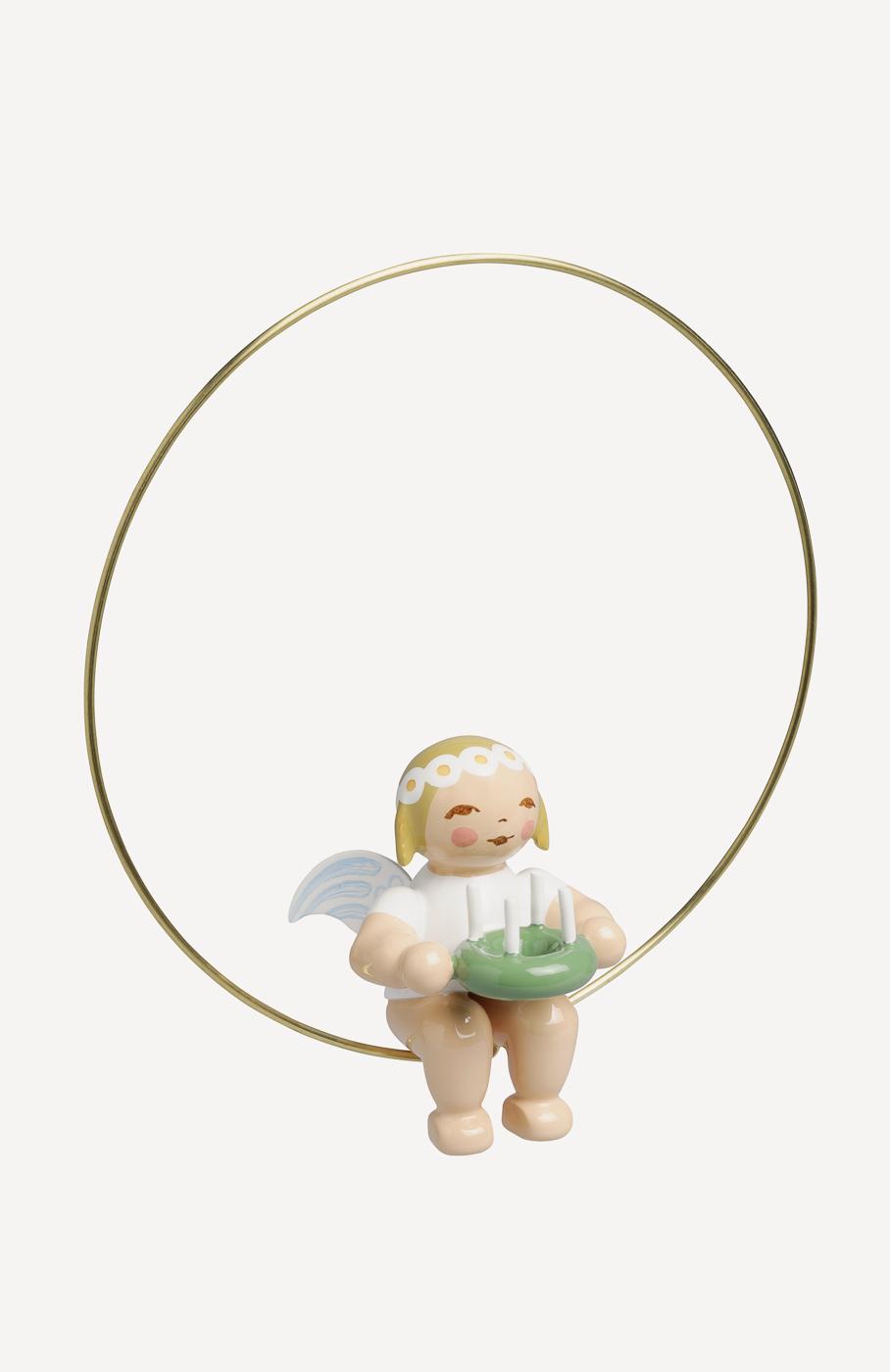 Christbaumengel im Ring, mit Kranz