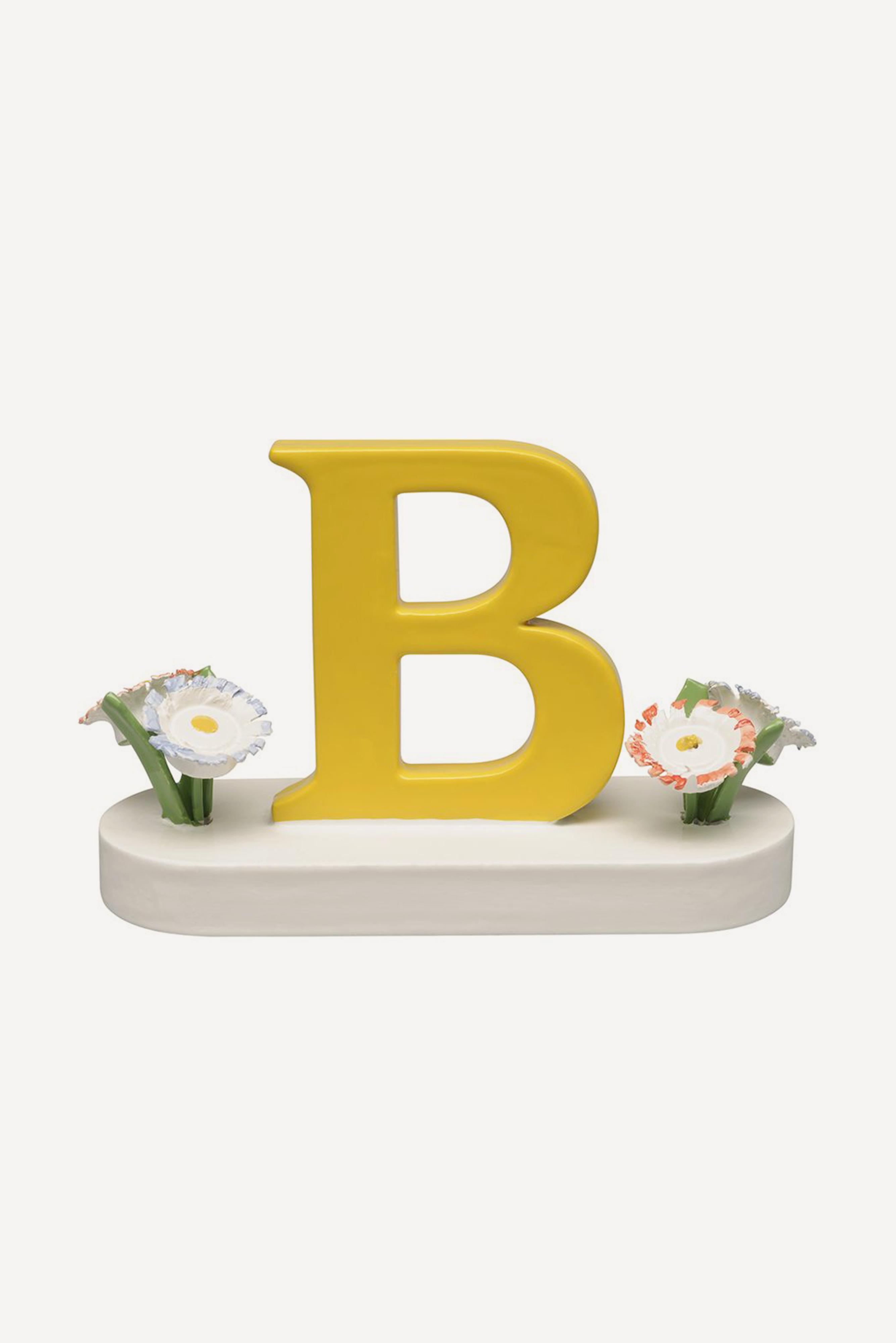 Buchstabe B, mit Blumen