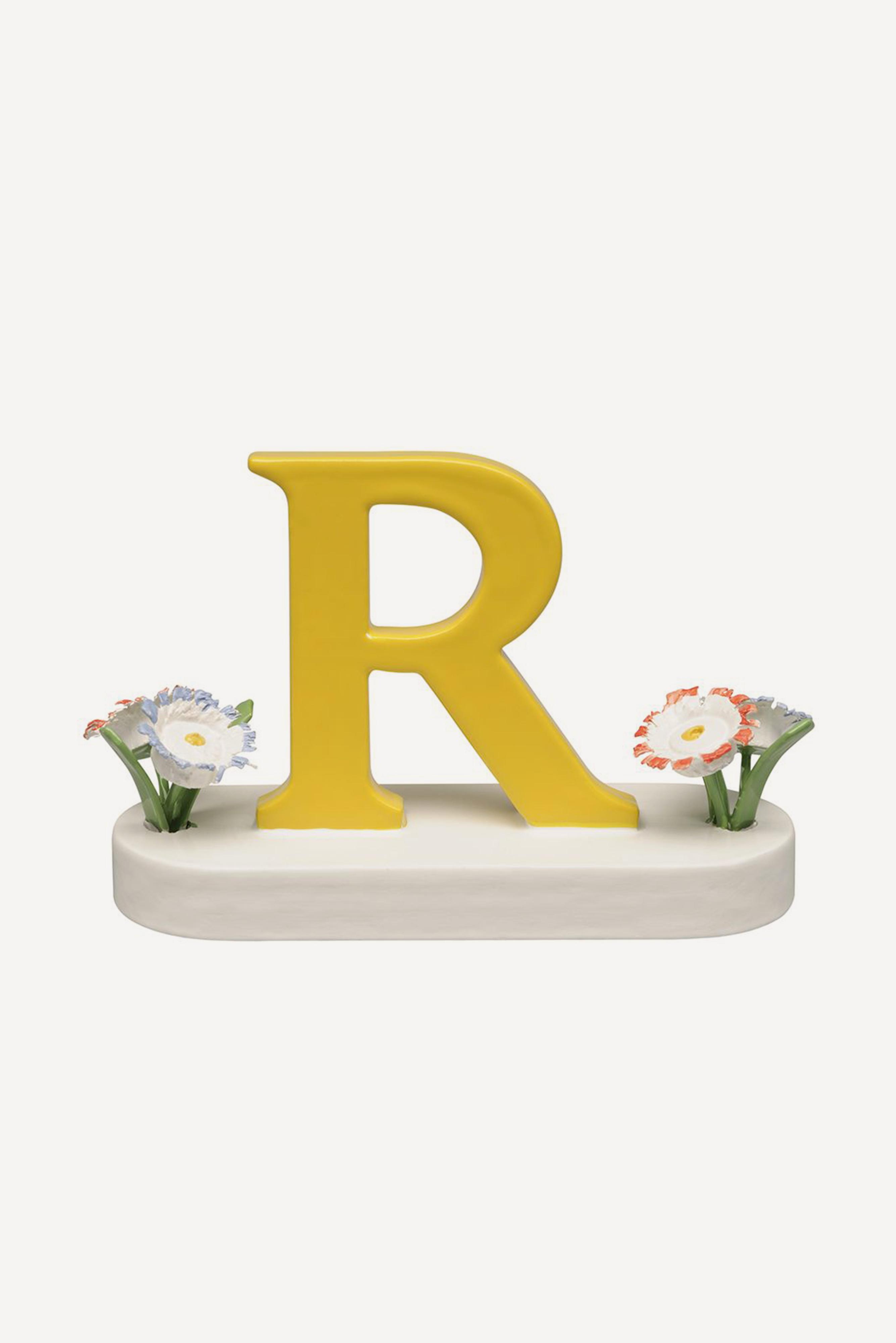 Buchstabe R, mit Blumen