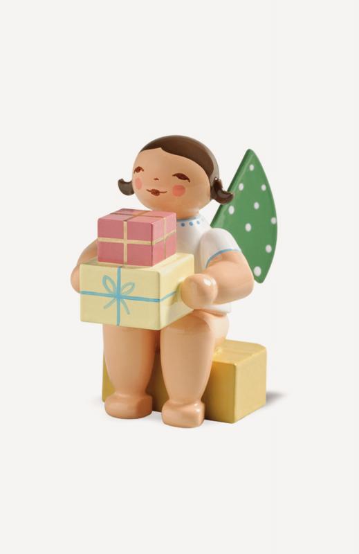 aEngel, klein, mit Geschenken