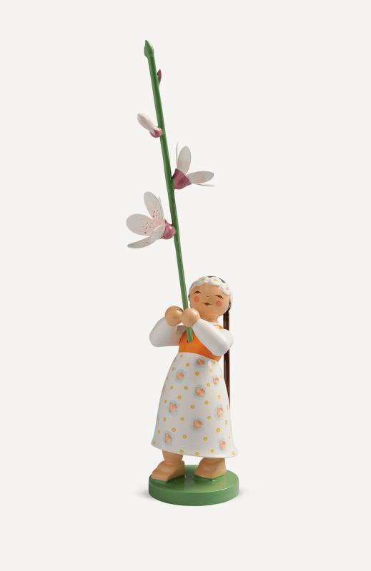 aMädchen mit Kirschblüte