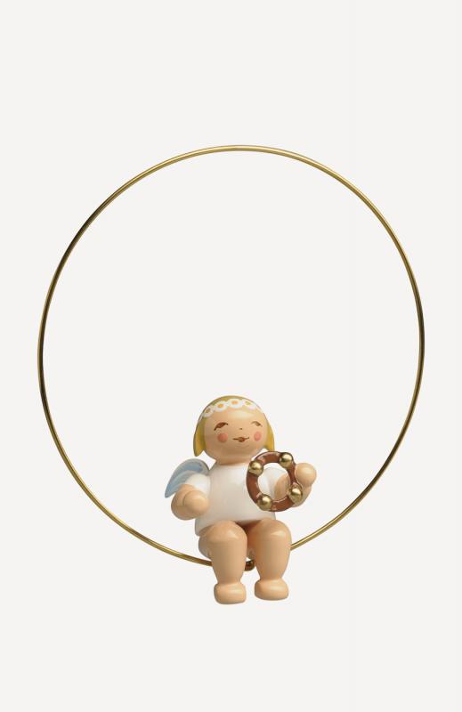 aChristbaumengel im Ring, mit Schellenring